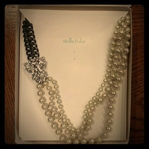 Stella & Dot Beautiful Daisy never warn.